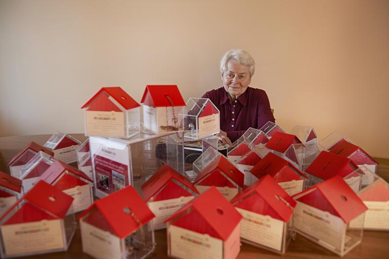 Heide, 76, ehrenamtliche Buchhalterin
