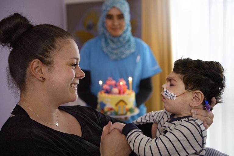 Isabell, 33, Mutter von Till, 3 Jahre mit Adalet im Sonnenhof