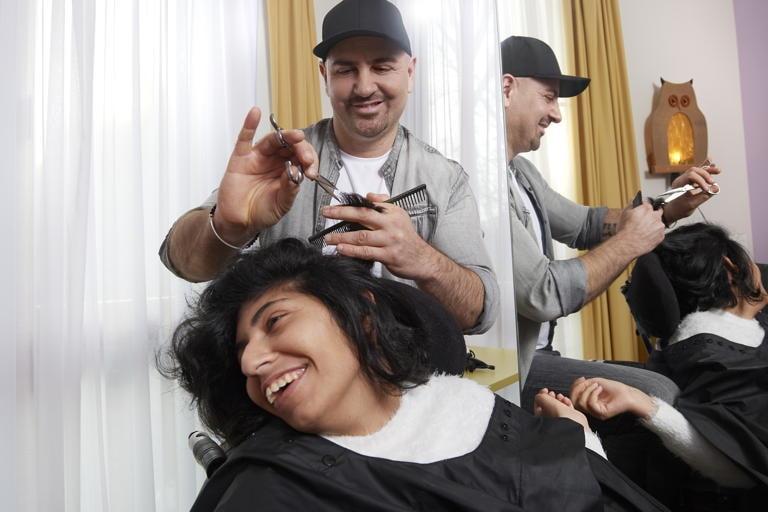 Toni, 44, ehrenamtlicher Friseur